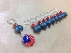 American Flag Stitch Markers, Snag Free Beaded Knitting Stitch Marker Set, Gift for Knitters, Knitting Tools, Knitting Supplies Crochet Stitch, Knit Or Crochet, Knitting Stitches, Knitting Yarn, Knitting Supplies, Yarn Bowl, Stitch Markers, Bead Crafts, American Flag