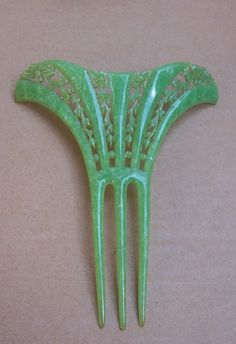 Art Deco jade green marbelized celluloid openwork hair comb