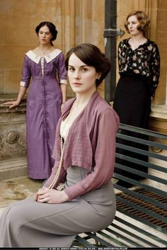 Google Image Result for http://1.bp.blogspot.com/-3iC_Mv2Xav4/T1ZdWB1tTuI/AAAAAAAACso/vFDH6rwX3-4/s1600/downton3.jpg