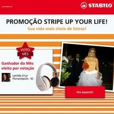 Olha ela aqui de novo... A Lenilda Cruz, de Florianópolis, foi a mais VOTADA do mês na promoção STRIPE UP YOUR LIFE e ganhou um super Headphone Sense HP-100 OEX.  Um parabéns duplo pra você, Lenilda! \o/