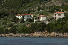 """See 20 photos and 3 tips from 267 visitors to Στενή Βάλα (Steni Vala). Lots of good seafood reastaurants"""" Villas, Sea, Spaces, Mansions, House Styles, Home Decor, Mansion Houses, Decoration Home, Manor Houses"""