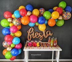 Baloon Garland, Diy Garland, Balloon Backdrop, Balloon Columns, Rainbow Balloon Arch, Balloon Balloon, Balloon Pump, Fiesta Theme Party, Party Themes