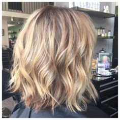 Stunning Hairstyle Ideas and Cuts for Fine Thin Hair Hairstyles For Th. - Stunning Hairstyle Ideas and Cuts for Fine Thin Hair Hairstyles For Thin Hair - Thin Hair Cuts, Bobs For Thin Hair, Cuts For Thinning Hair, Long Bob Thin Hair, Short Fine Hair, Medium Fine Hair, Wavy Hair, Medium Hair Styles, Short Hair Styles