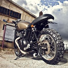 2008 Triumph Scrambler Custom.   Via The Bullitt. Images courtesy of Zac Fisher.