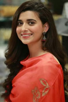 Here's What You Need To Know – Girl Next Door Fashion Cute Girl Poses, Girl Photo Poses, Girl Photography Poses, Beauty Photography, Nimrat Khaira Suits, Punjabi Girls, Punjabi Suits, Punjabi Models, Punjabi Actress