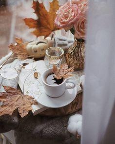 Pink Photography, Coffee Photography, Autumn Tale, Parisian Fashion, Bohemian Fashion, Fashion Clothes, Fashion Fashion, Retro Fashion, Happy Fall Y'all