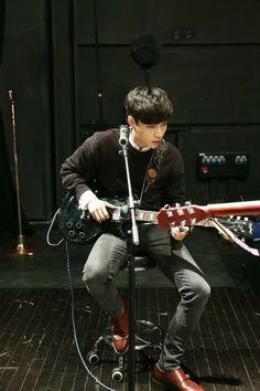help i'm torn between yixing or chanyeol being more boyf material they both too talented n gorgeous Baekhyun, Yixing Exo, Park Chanyeol, Shinee, Kai, Kdrama, Kim Minseok, Exo Ot12, Kpop Exo