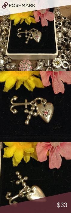 Retired Pandora charm In good condition. Authentic stamped s925 ale Pandora Jewelry Bracelets