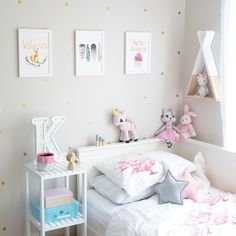Hands up who loves a discount?  I know I do! Well good news lovelies! My friends over at @pika_and_pookie make beautiful prints for not only kid's rooms but for so many other spaces too.  Right now they have a special offer for White Fox Styling followers - 25% off with the code WHITEFOX25. Great reason to check them out and grab yourself some wonderful prints! #whitefoxstyling