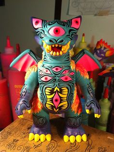 Custom 1 off Deathra toy by Gargamel (gargamel.jp) painted by Martin Ontiveras (martinhead.com)