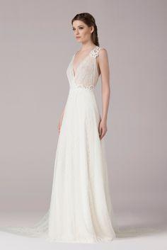 Wedding dress Retrouvez la robe de mariée Anna Kara Ila disponible chez Plume Paris, boutique de robes de mariée à Paris