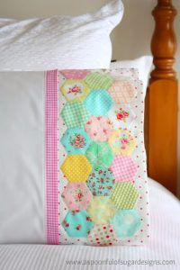 DIY Pillowcases - Hexie Pillowcase - Easy Sewing Projects for Pillows - Bedroom and Home Decor Ideas - Sewing Patterns and Tutorials - No Sew Ideas - DIY Projects and Crafts for Women http://diyjoy.com/sewing-projects-diy-pillowcases