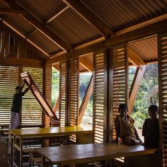 6 Community Architecture Projects in the Peruvian Jungle,Multifunctional Classroom Mazaronkiari. Image Courtesy of Marta Maccaglia, Paulo Afonso, Piers Blake Architecture Durable, Bamboo Architecture, Tropical Architecture, Vernacular Architecture, Architecture Portfolio, Sustainable Architecture, Interior Architecture, Drawing Architecture, Classroom Architecture