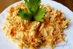 Saturating egg and carrot salad - the perfect diet meal Top-Rezepte.de - If you are also a salad fan, then you definitely have to try this salad. Healthy Salads, Healthy Eating, After Workout Food, Diet Recipes, Healthy Recipes, Carrot Salad, Good Food, Food And Drink, Eggs