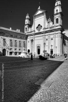 Novi Ligure, Piazza Dellepiane