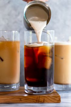 The new Starbucks Pumpkin Cream Cold Brew is better than the Pumpkin Spice Latte, and you can make it at home! You won't believe how easy this DIY Pumpkin Cream Cold Brew Recipe is to make. It only takes 6 ingredients and 5 minutes! Healthy Pumpkin Pies, Moist Pumpkin Bread, Pumpkin Recipes, Fall Recipes, Diy Pumpkin, Milk Shakes, Starbucks Pumpkin, Pumpkin Spice Latte, Pumpkin Pie Smoothie