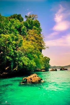 Phi Phi Islands by Abdulaziz