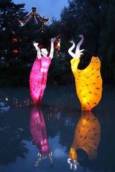 Montreal Botanical Garden's; Lantern Festival in the fall Montreal Quebec, Quebec City, Montreal Botanical Garden, Botanical Gardens, Chinese Lantern Festival, Laval, Chinese Lanterns, Best Mattress, Garden S