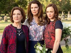 "We've got TWO (!!) brand new images from ""Gilmore Girls: A Year in the Life"""