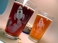 Disappointed that you haven't grown up to explore outer space in your stylish rocket ship? Drinking from these pint glasses could help dull the pain. Etched Glassware, Retro Rocket, Best Friend Love, Glass Engraving, Retro Futurism, Glass Etching, Silhouette Projects, Diy Projects To Try, Decoration