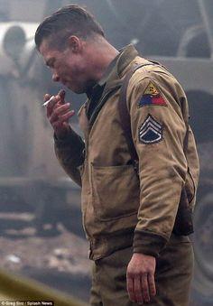 Brad Pitt smokes on set of new movie Fury amid Angelina Jolie wedding rumours Angelina Jolie Wedding, Brad Pitt Fury, Fury 2014, Brad Pitt Movies, Dramas, Leather Men, Leather Jacket, War Film, Military Men