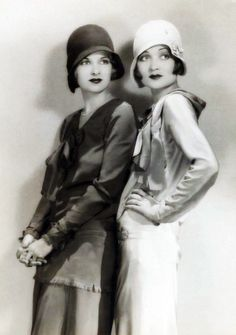 Sisters Joan Bennett and Constance Bennett, early Women's vintage fashion photography photo imaage Constance Bennett, Joan Bennett, Retro Mode, Mode Vintage, Unique Vintage, Vintage Style, Vintage Glamour, Vintage Beauty, Estilo Gatsby