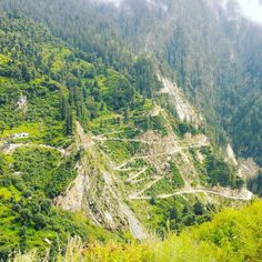View from Malana – a road is in opposite side of valley. There is 3 km walking distance from only road till village.  #Himalayatrip #Himalaya #Manali #Rudra_holidays #Rudraholidays #Bhuntar #manalitrip #instatraveling  #Indiatravel #Himalayatravel #indiatravel  #himachalpradesh #himachal_pradesh #indiatravelling #Manali #Kullu #himalayan #himalayas #kasol #naggar #manalitrip #hotel #holiday #holidays #trip #familyholiday #trips #malana #fun #instatrip #holidaytime