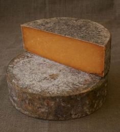 Red Leicester (Sparkenhoe). A traditional farmstead cheese that pairs well with brown ales.