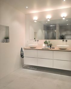 Torsdag = badevaskedag💦 Two down ~ one to go💦 Ha en nydelig kveld💙 Have a wonderful Thursday evening💙 Ensuite Bathrooms, Double Vanity, Laundry Room, Inspiration, Furniture, Instagram, Home Decor, Thursday, Projects