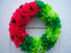 Watermelon Outdoor Wreath, made w/Dollar store plastic tablecloths pinked into squares and bunched along wreath form - weather proof Wreath Crafts, Diy Wreath, Mesh Wreaths, Diy Crafts, Wreath Ideas, White Wreath, Easter Wreaths, Dollar Store Crafts, Dollar Stores