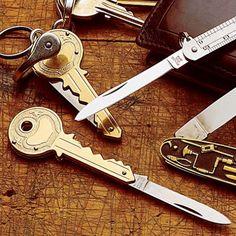 Anahtarların arasında bir çakı!
