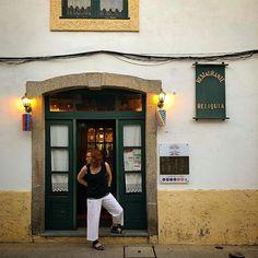 #saojoao #portugal #restaurantes #travel #pictureoftheday #shotoniphone