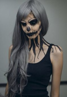 Spooky but gorgeous looking Halloween makeup. Be the death eater with this black themed dark ghoul makeup. Step it up with a pair of all black sclera contacts and scare your way all throughout Halloween. Creepy Halloween Makeup, Scary Halloween Costumes, Scary Makeup, Halloween Makeup Looks, Pretty Halloween, Halloween Make Up Scary, Terrifying Halloween, Joker Halloween, Halloween Couples