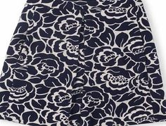 Boden Kate Ponte Skirt, Navy/Ivory Mono Floral 34697094 In an elegant textured Ponte, the Kate Ponte Skirt boasts box pleats and an above the knee cut in two solid colourways and a punchy print. http://www.comparestoreprices.co.uk/skirts/boden-kate-ponte-skirt-navy-ivory-mono-floral-34697094.asp