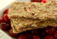 Raw Food Recipes: Hazelnut Cranberry Flatbread - Rawmazing Raw and Cooked Vegan Recipes Great Recipes, Snack Recipes, Cooking Recipes, Favorite Recipes, Amazing Recipes, Drink Recipes, Biscuits, Homemade Crackers, Raw Vegan Recipes