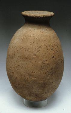Rough ware jar Period: Predynastic, Naqada II Date: ca. 3500 B.C. Geography: From Egypt, Southern Upper Egypt, Hierakonpolis (el-Kom el-Ahmar), Fort Cemetery (Hk 27), Tomb 17, MMA excavations, 1934–35 Medium: Pottery Dimensions: H. 22.5 cm (8 7/8 in)