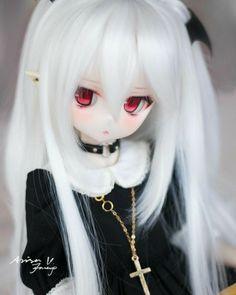 Hey you. Follow me? 👀 Chica Anime Manga, Anime Chibi, Otaku Anime, Anime Dolls, Bjd Dolls, Pretty Dolls, Beautiful Dolls, Personajes Monster High, Enchanted Doll