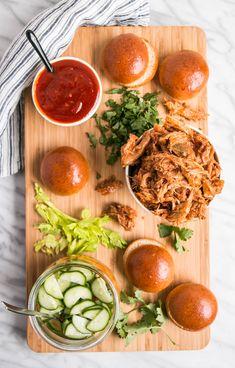 Slow Cooker Korean Pulled Pork Sliders - My Kitchen Love Buffalo Chicken Dip Recipe, Chicken Wing Recipes, Hot Dogs, Muhammara Recipe, Hot Dog Recipes, Sandwich Recipes, Dip Recipes, Quick Recipes, Meat Recipes