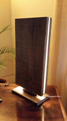 Madera recuperada led lámpara Magùt lámpara de mesa por Engardina