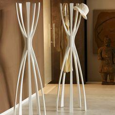 Moderne Kleinmöbel Von Porada. KleiderständerKleiderbügelFlamingosStehend  GarderobeIdeenKleiderablageMassivholzHeimtextilienMöbel