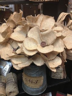 I've made paper flowers. Time to evolve! - Burlap -
