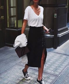 My favourite look! T shirt tucked into a pencil skirt worn with sneakers. Comfy and so chic!