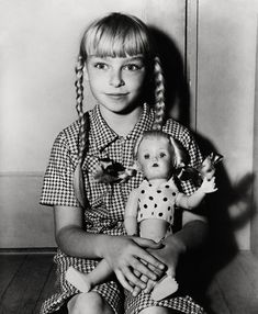 Patty McCormack, Bad Seed (1956) Scary Movies, Old Movies, Horror Movies, Haunted Movie, The Bad Seed, Movie Photo, Classic Movies, Guys, Children