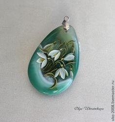 """Купить Кулон """"Подснежники"""" роспись на агате - зелёный, белый, подснежники, первоцветы, весна, роспись на камне"""
