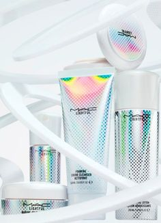 MAC has introduced Lightfully New -- a collection of skin care products that feature a marine-bright formula. While MAC is most known for color cosmetics, their skin care is worth taking a look at. Cosmetic Packaging, Beauty Packaging, Packaging Design, Branding Design, Logo Design, Skincare Packaging, Luxury Packaging, Ad Design, Design Trends