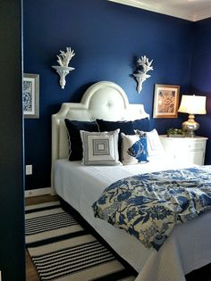 Bedroom:Sophisticated Blue Bedroom Decor For Amazing Look Dark Blue Bedroom Wall Paint Color Design Combine White Bedding Sets Plus Floral Pattern Blangket Also Antique Lamp Shade Royal Blue Bedrooms, Navy Bedrooms, Blue Rooms, Teenage Bedrooms, Beach House Bedroom, Home Bedroom, Modern Bedroom, Bedroom Ideas, Bedroom Retreat
