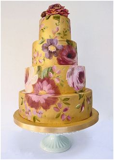 hand painted wedding cake gold and floral | French Wedding Style Blog |