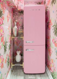 floral wallpaper and a pink SMEG!