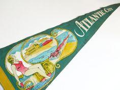 Atlantic City Pennant Vintage Green Felt Souvenir Pennant by Sfuso #gotvintage #atlanticcity #jerseyshore