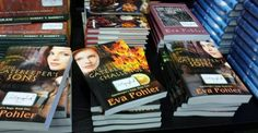 Books Make Great Gifts! Must reads AT A GREAT PRICE for holiday giving!!!!